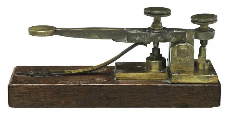 جهاز تلبيجراف كان يستخدم لإرسال شيفرة مورس