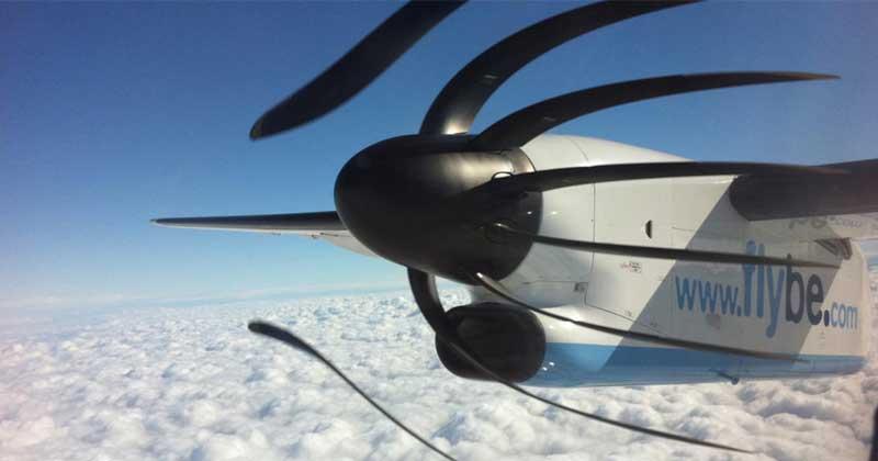 تأثير الغالق المتدحرج على مروحة طائرة