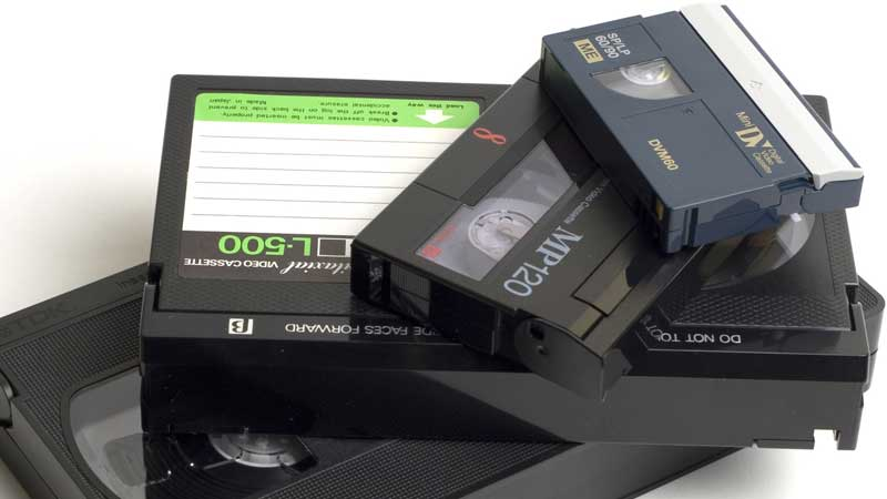حرب الصيغ: في اتش اس VHS مقابل بيتا ماكس BetaMax