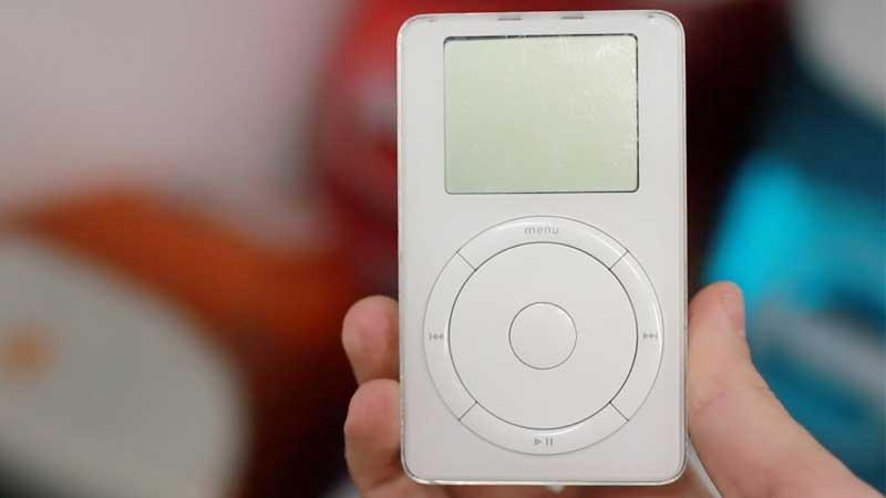 مشغل ألعاب iPod سر نجاح شركة Apple بداية الألفية