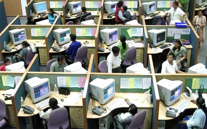 مركز اتصال بشري يستخدم في عمليات الاحتيال